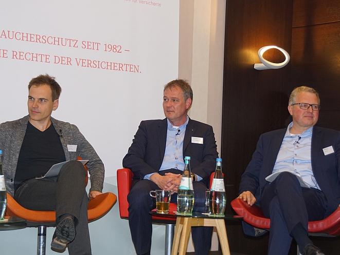 V.li.n.re.: Gerhard Schick, Carsten Brodesser. Frank Schäffler (Bild: Brüss)