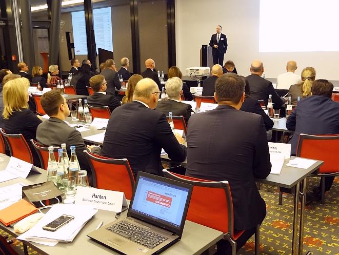 Das Plenum während des Vortrags von Oliver Sieg, Partner der Kanzlei Noerr LLP, auf der IVP-Fachkonferenz (Bild: Winkel)