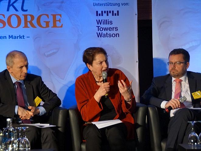 Von links: Alexander Gunkel, Annelie Buntenbach, Peter Schwark (Bild: Brüss)