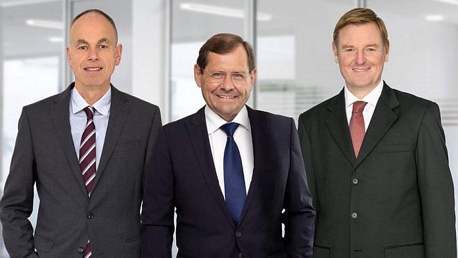 Von links: Wolfgang Bach, Axel Berger und Marcus Söldner (Bild: Car-Garantie)