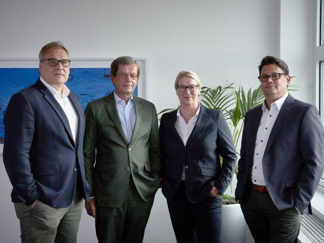 Die vier Gesellschafter der neuen Droege Holding (v.l.n.r.): Thomas Zimmermann, Claes Droege, Tanja Klindworth und Volker Jendricke (Foto: Droege Holding GmbH)