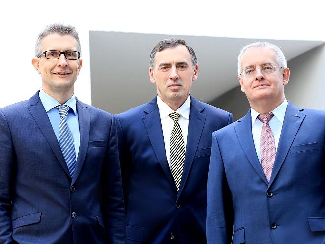 V.li.n.re.: Frank Sievert, Werner Gremmelmaier, Michael Baulig (Bild: Universa)