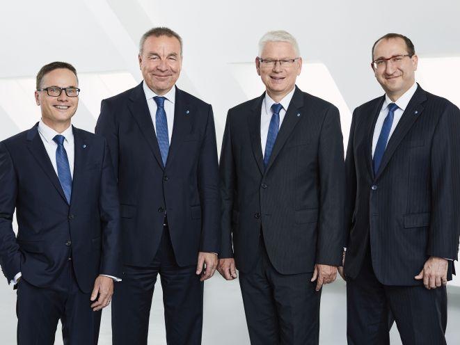 Vorstandsmitglieder der Stuttgarter Versicherungsgruppe: (von links) Martin Kübler, Ralf Berndt, Frank Karsten, Guido Bader (Bild: Stuttgarter)