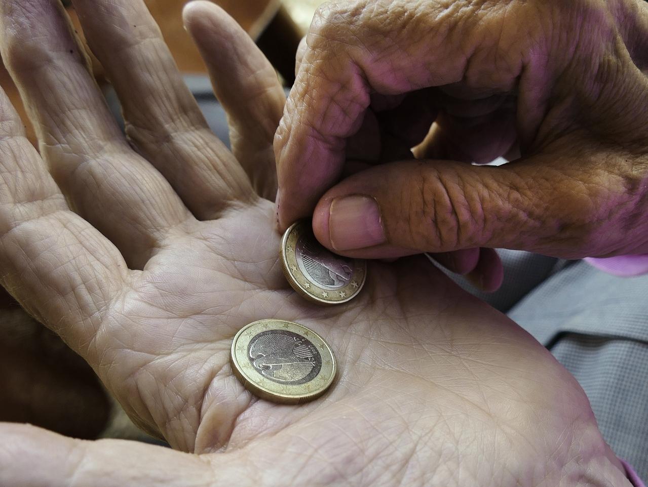 Mehr als jeder Sechste ist von Ausgrenzung und Armut bedroht - VersicherungsJournal Deutschland
