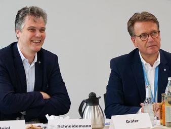 Herbert Schneidemann (links) und Martin Gräfer (Bild: die Bayerische)