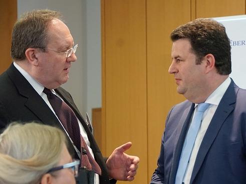 Felix Hufeld (links), Hubertus Heil (Bild: Brüss)