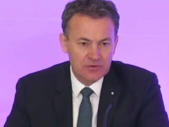 Stefan Kutz (bild: Screenshot Schmidt-Kasparek)